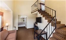 Key inn and Suites Tustin - Tower Suite