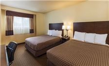 Key inn and Suites Tustin - Two Queen Beds