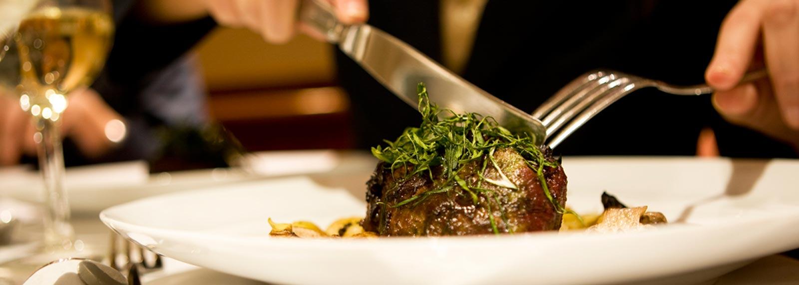 dining-facilities-at-tustin-hotel-california-top