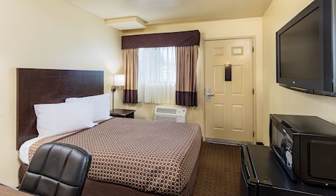 One Double Bed at Key Inn and Suites, Tustin