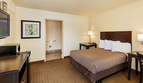 One Double Bed Wheel Chair Accessible - Roll In Shower in Key Inn and Suites, Tustin