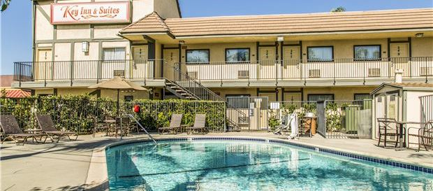 Tustin Hotel, California Special Packages